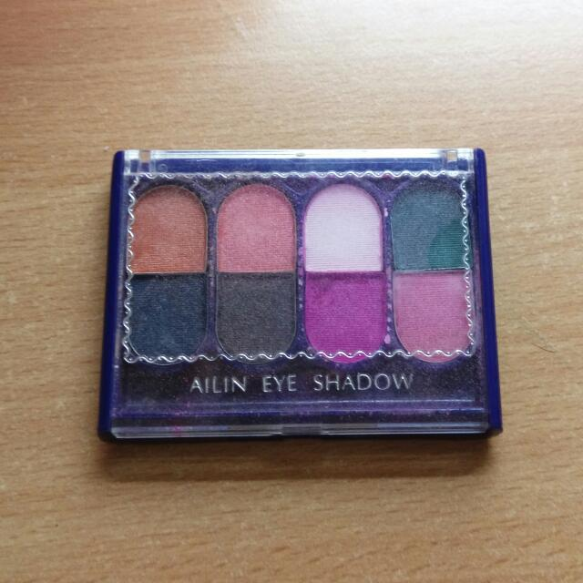 EYE SHADOW眼影盒