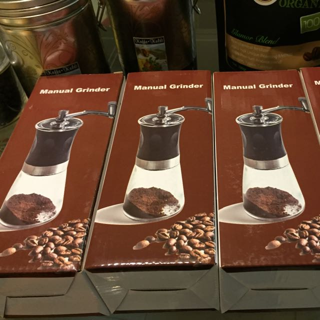 Manual mini coffee bean grinder