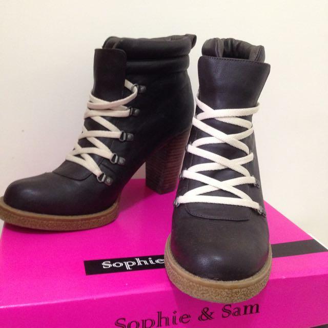 Sophie & Sam 咖啡色高跟鞋
