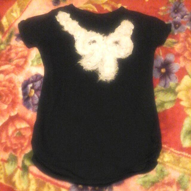 黑色蝴蝶結T