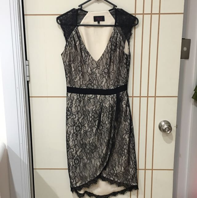 Wayne By Wayne Cooper Lace Wrap Dress Size 8