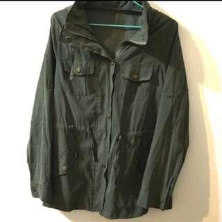 軍綠色外套  風衣外套