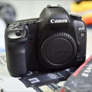 5dm2 Canon Body