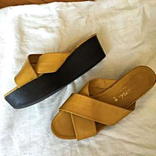Amazing Vintage Platform Flatform Shoes