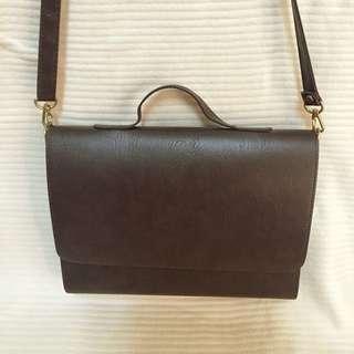 【韓貨】皮革復古側背手提包