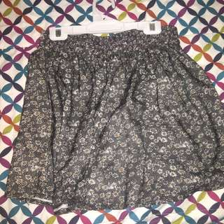 Black Skirt With Daisy Print