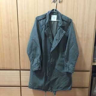 墨綠色大衣外套