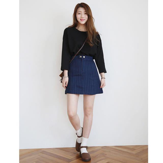 降價~韓版單扣直條紋高腰牛仔裙
