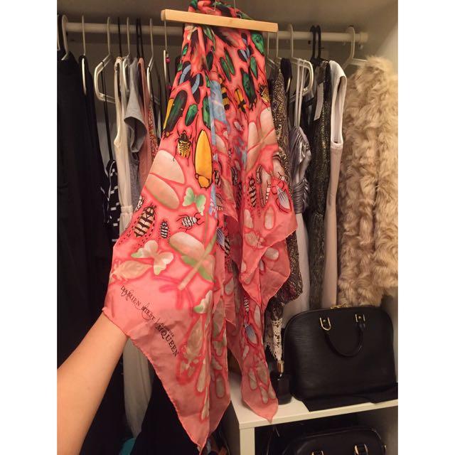 全新Alexander MQueen 絲巾