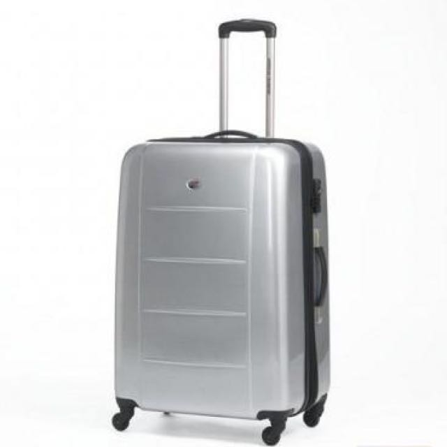 b99efecbc Brand New American Tourister Tokyo Chic Spinner Luggage (67cm ...