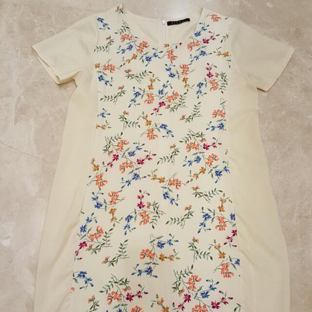 Dress Flower Cream