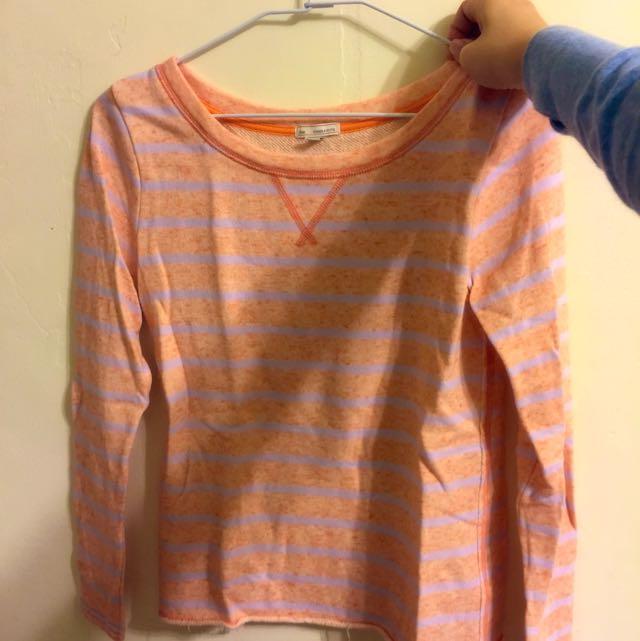 合身粉橘色Gap上衣