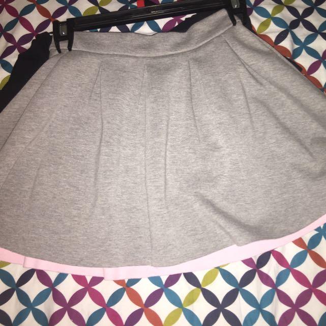 Gray Skater Skirt With Pink Inner