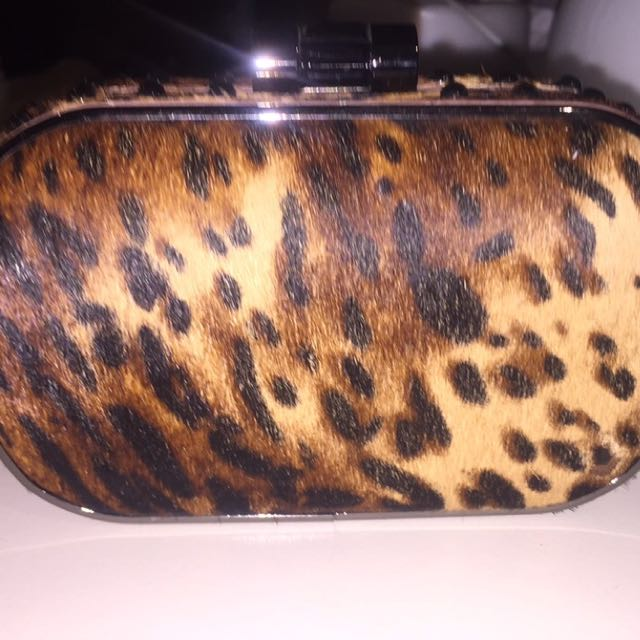 MIMCO CLUTCH SELLING $50.00