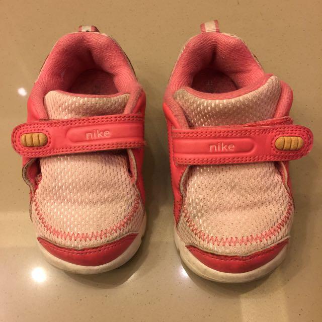 二手nike童鞋