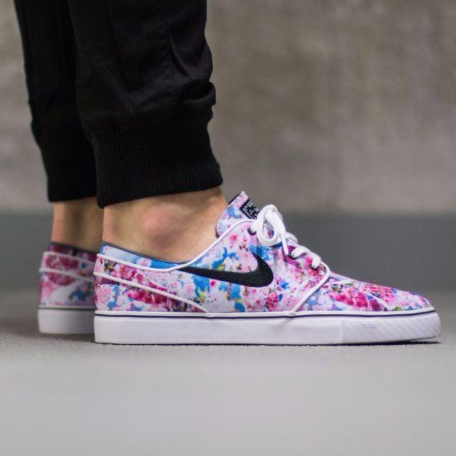d643a69551cb Nike SB Stefan Janoski Cherry Blossom