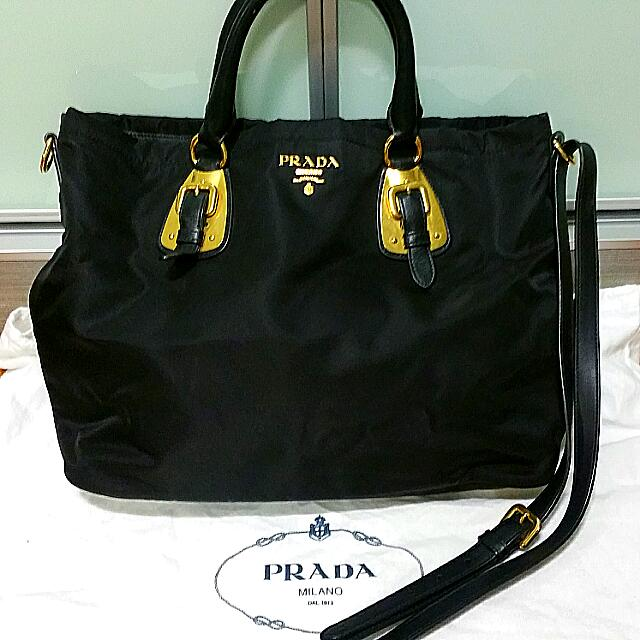 54e3d0d23c9d ... sweden prada tessuto nylon tote bag nero model bn1902 luxury on  carousell b9f33 24424