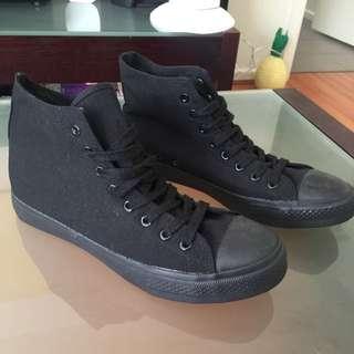 Billie Shoes Black On Black All Star Size 43 Us 10