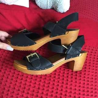 LIPSTIK shoes