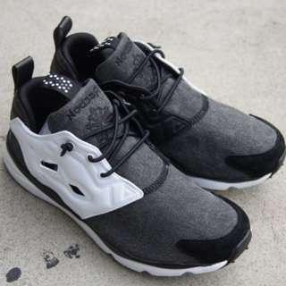 Reebok FURYLITE Asymmetrical 黑白女鞋