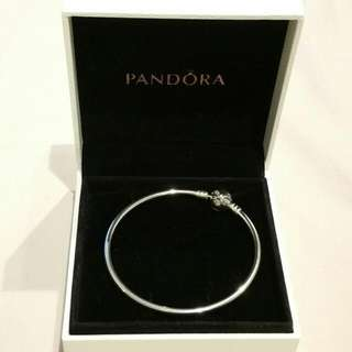 NEW Authentic Pandora Dainty Bow Limited Edition Silver Bangle | Size - 17cm