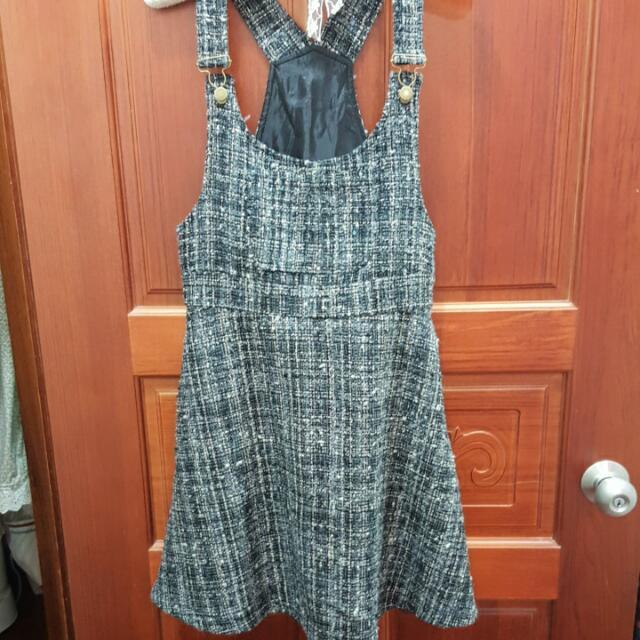 復古款混色毛料吊帶裙