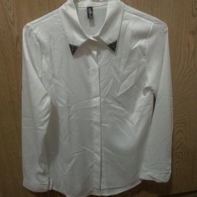 胸針(可拆)白襯衫(免運(暫售