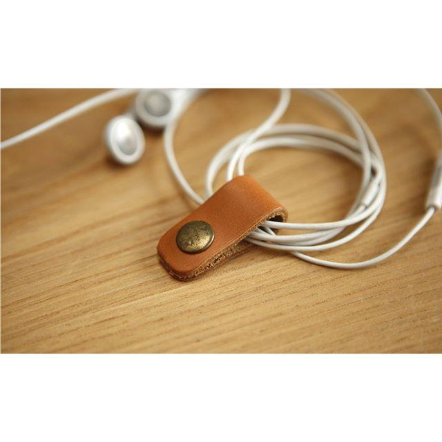 牛皮鈕扣集線器 傳輸線質感收納 (棕色)