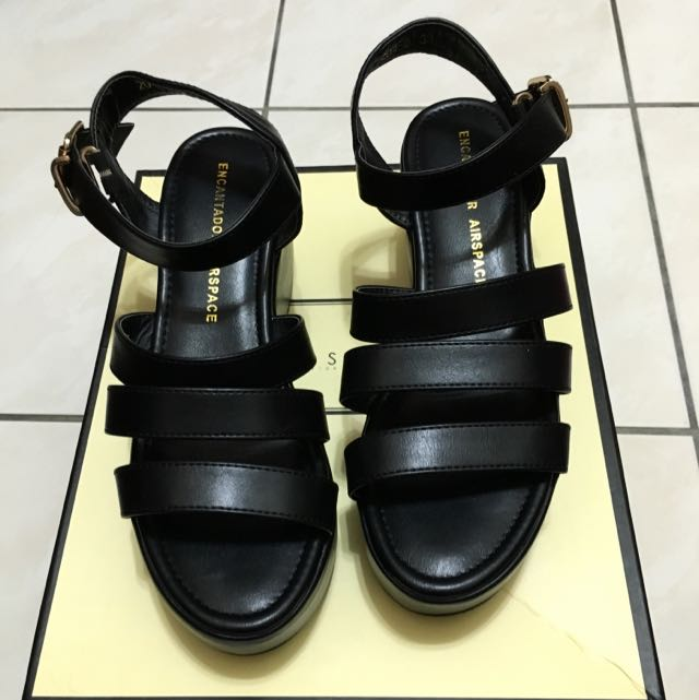 Air Space 百搭黑色厚底涼鞋 38號