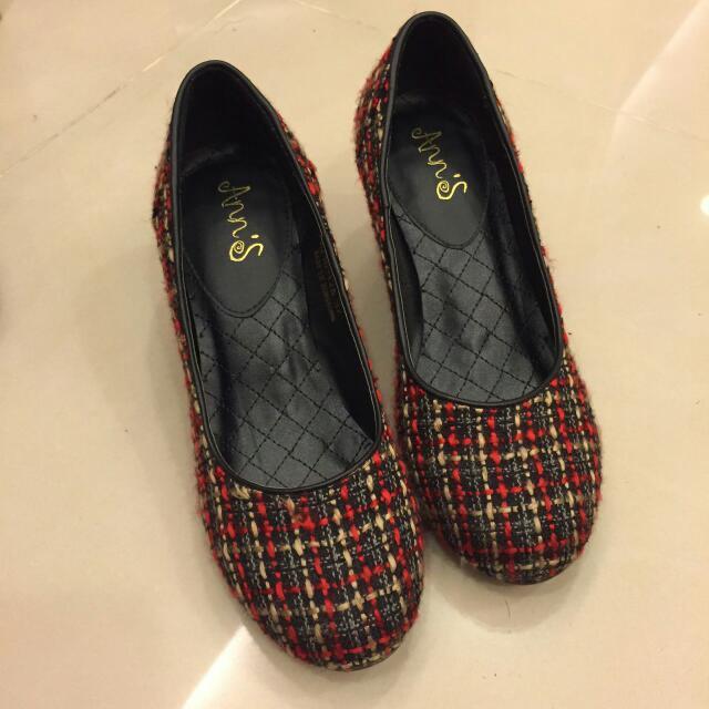 免運 Ann's毛線紋交錯 紅色 米黃 黑色粗跟鞋 37(23.5)號