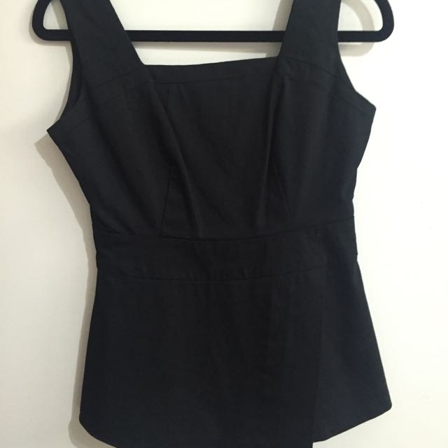 Black Top size 6-8