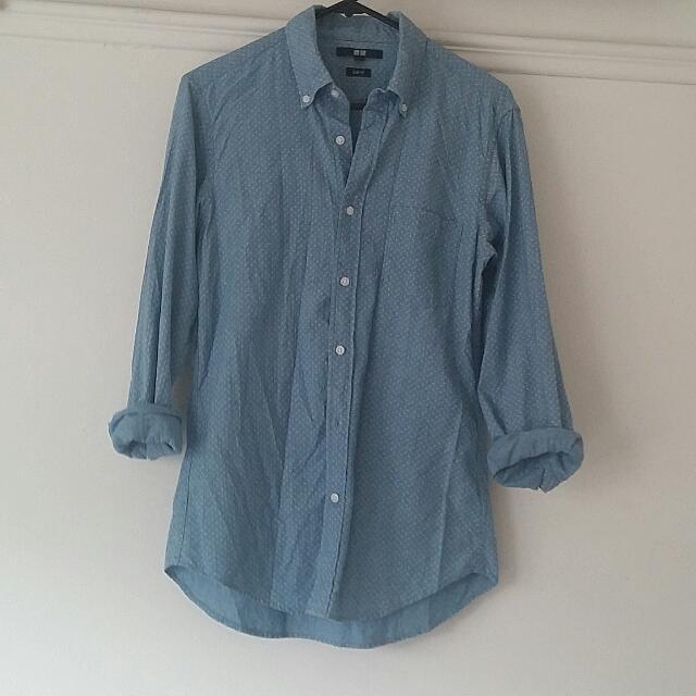 Slim Fit Uniqlo Shirt