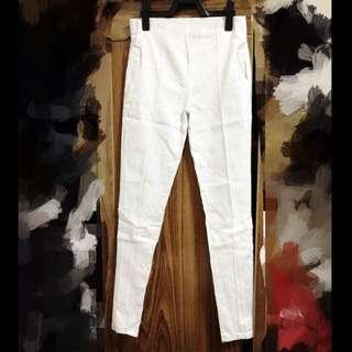 白色貼腿褲