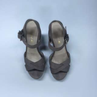 American Eagle Wedges Size 6/ 37