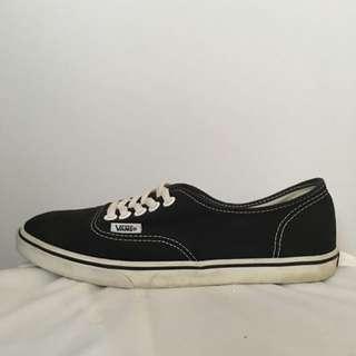 Vans Authentic Lo Pro Size 5