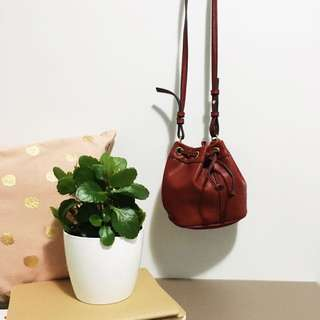 🌿 Mini Red Bucket Bag