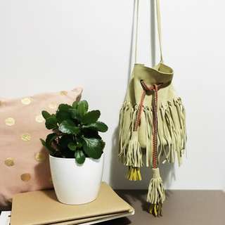 🌿 Leather Tribal Bucket Bag