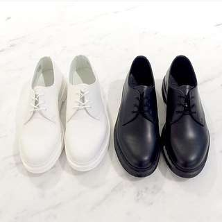 三孔黑白素色馬丁男女款原宿街頭vintage綁帶真皮鞋情侶鞋平底英倫
