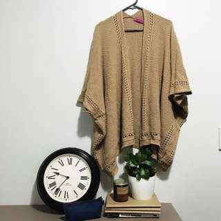 🌿 BOOHOO Camel Colour Knitted Cape