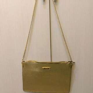 『免運』金色進口皮細紋潮流兩用鐵鍊手拿包包