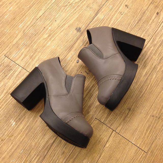 側鬆緊粗跟厚底鞋 黑 紅 灰