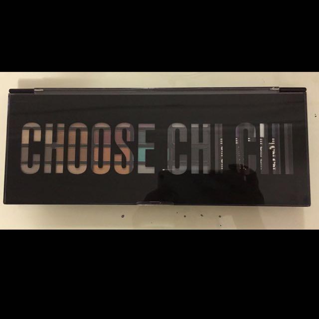 Chi Chi Eyeshadow Palette