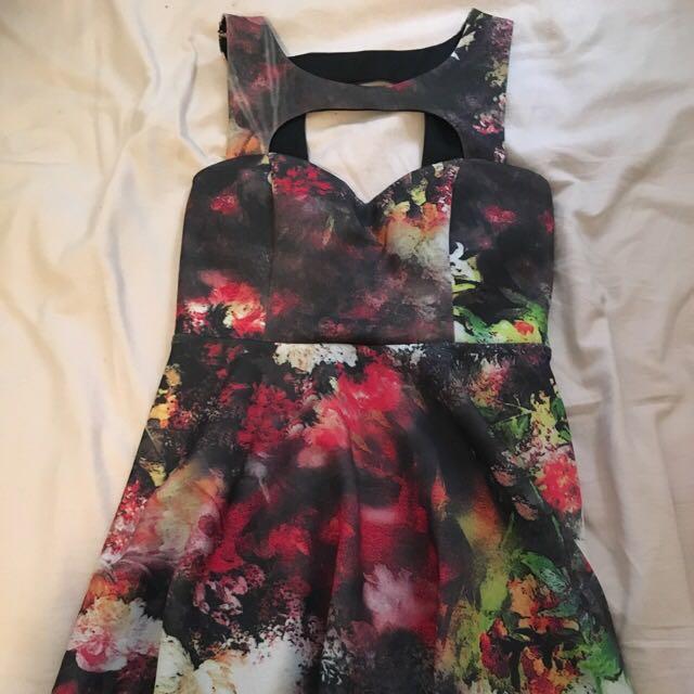Floral Tight Skater Dress 🌹 Size 12