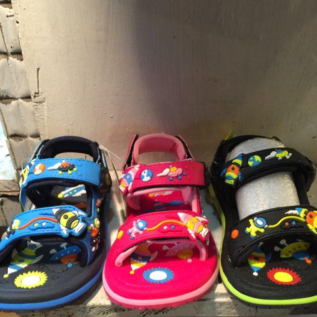 免運費🌀阿亮代言介紹-GP兒童氣墊涼拖鞋-防滑防水🌀
