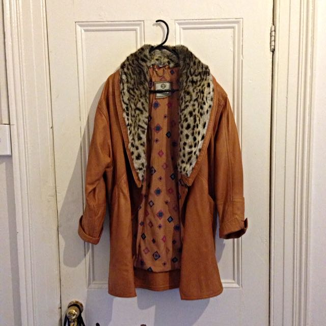 Vintage Leather Coat With Faux Fur Collar Size 10-12