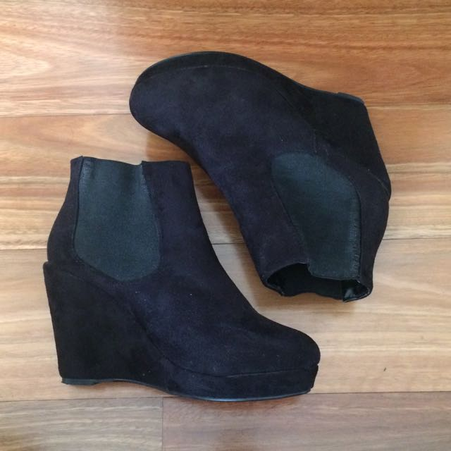 {Pending} Black Wedge Boots
