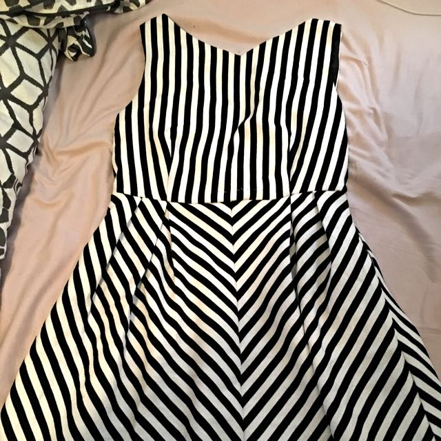 Striped Dress 🌹