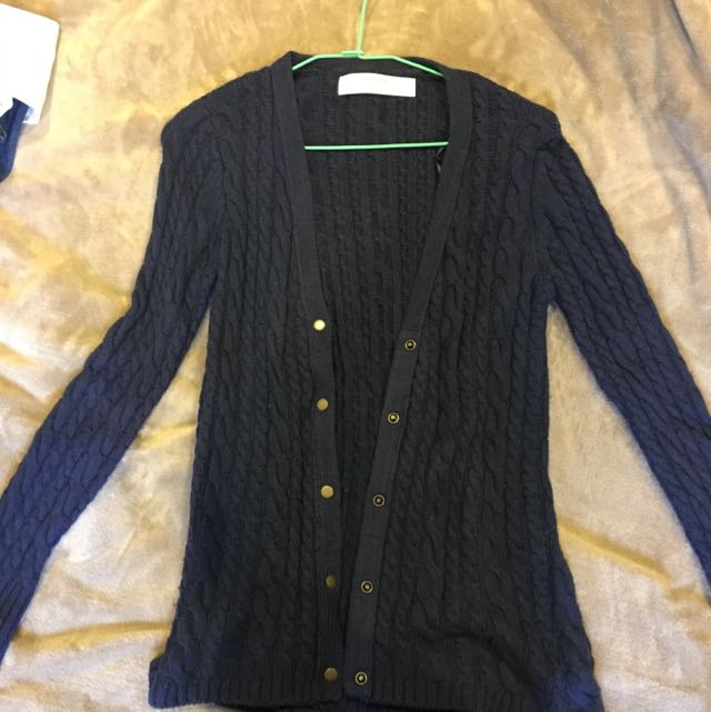 贈送深藍色ZARA針織外套