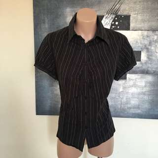 Cue Sz 14 Charcoal Grey Pinstriped Short Sleeve Top Blouse Work Shirt