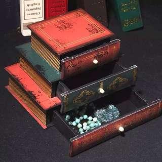 🚚 仿舊古歐書本三格層櫃置物盒手飾盒收納盒